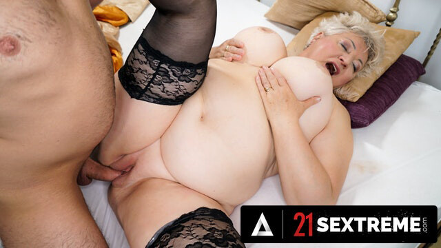 21 SEXTREME - PAWG Granny Wants Her Stepson
