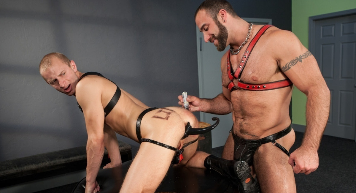 Hole Busters Vol. 5 featuring Spencer Reed, Randall OReilly - FistingCentral
