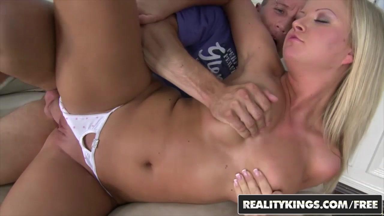 RealityKings - Mikes Apartment - Choky Ice Sunny Diamond - Hot And Sunny