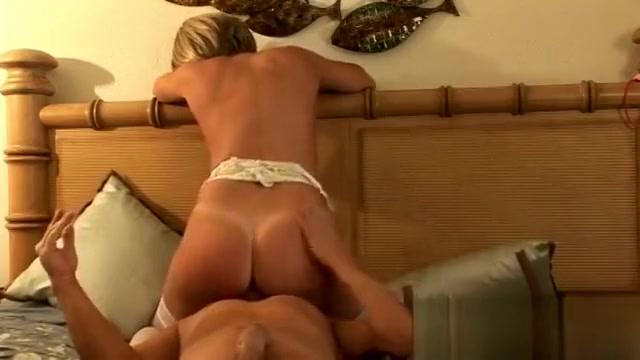 cheating wife desirae spencer milf amateur blowjob fucking scene