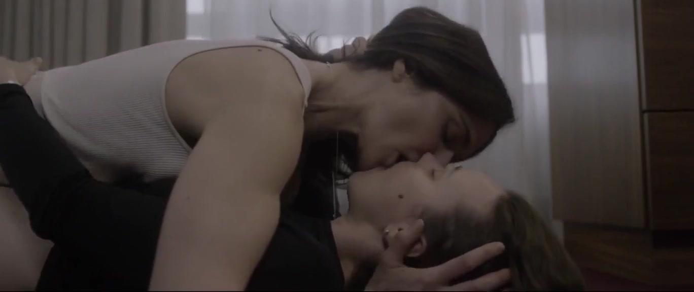 Rachel McAdams nude und lesbian